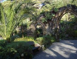 pxTrescoAbbeyGardenArch